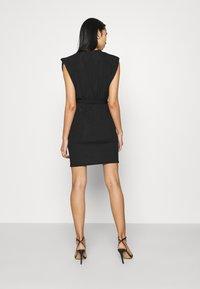 Missguided - SHOULDER PAD BELTED MINI DRESS - Cocktail dress / Party dress - black - 2
