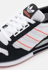 adidas Originals - ZX 500 UNISEX - Matalavartiset tennarit - footwear white/grey/core black - 7