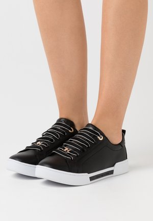 BRANDED OUTSOLE  - Sneakers laag - black
