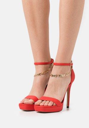 SCARLETTCHAIN - Sandals - red