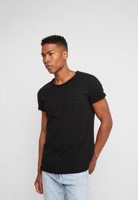 Tigha - MILO LOGO - Print T-shirt - black - 0