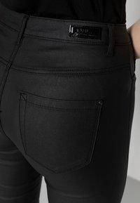 ONLY - ONLROYAL ROCK  - Pantalon classique - black - 4