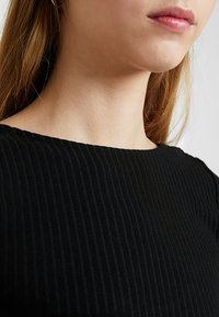 ONLY - ONLPABLO CAPSLEEVE DRESS - Shift dress - black - 5