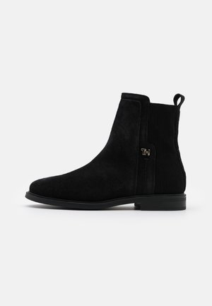 ESSENTIAL FLAT BOOT - Classic ankle boots - black