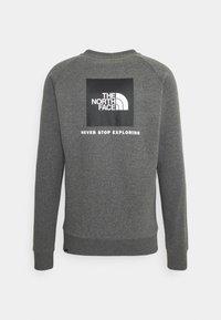 The North Face - RAGLAN REDBOX CREW NEW  - Sweatshirt - medium grey heather - 7