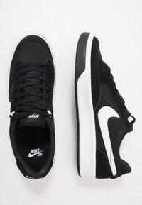 Nike SB - ADVERSARY UNISEX - Skateskor - black/white - 1