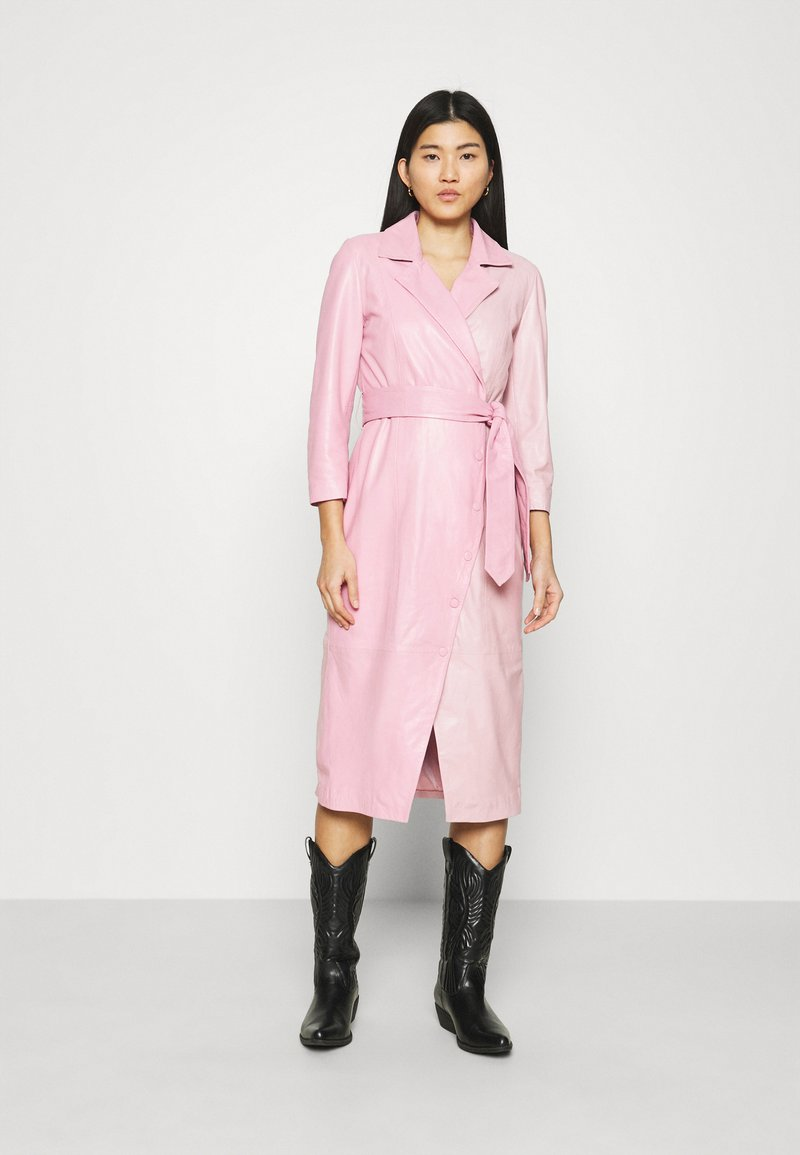 Ibana - EXCLUSIVE DIFFANI  - Day dress - pink/nude