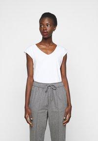 Anna Field Tall - 2 PACK - Basic T-shirt - black/white - 1