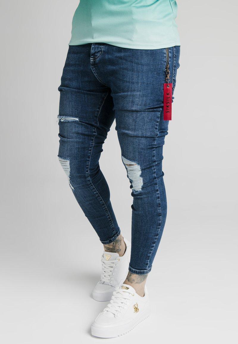 SIKSILK - DISTRESSED FLIGHT - Jeans Skinny Fit - light blue