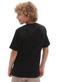 Vans - BY PRINT BOX BOYS - T-shirt med print - black/spiral tie dye - 1