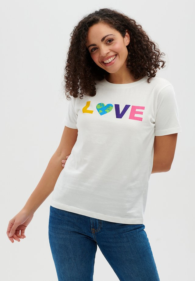 MAGGIE EARTH LOVE - T-shirt print - off white
