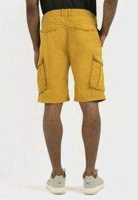 camel active - REGULAR FIT - Shorts - gold - 2