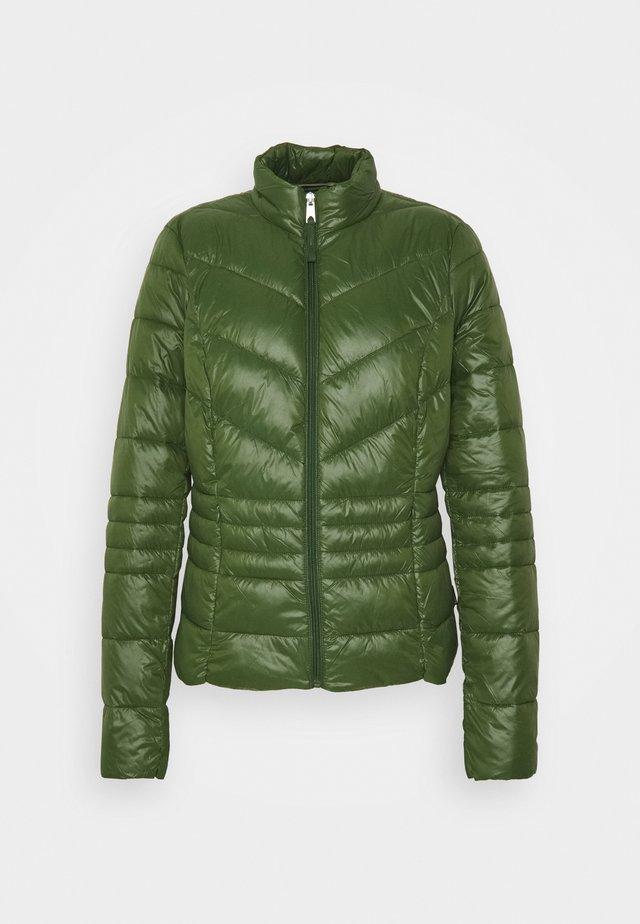 VMSORAYASIV SHORT JACKET - Light jacket - black forest