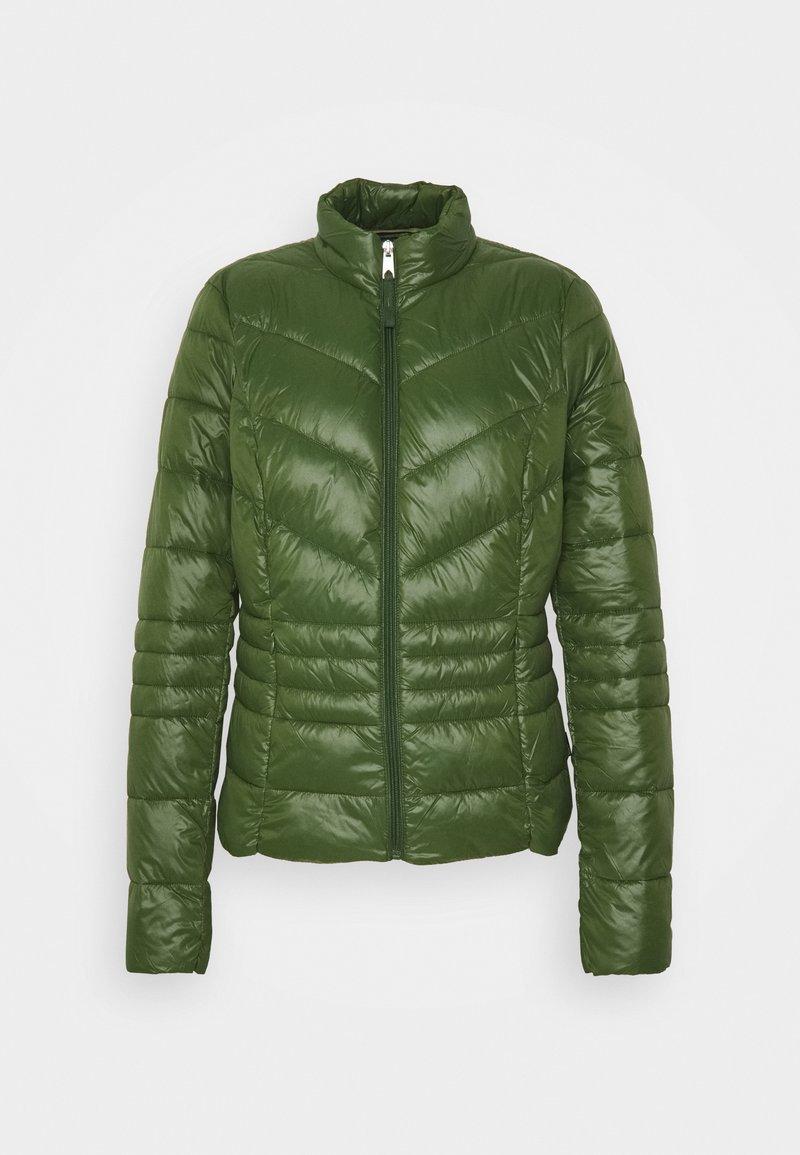 Vero Moda Tall - VMSORAYASIV SHORT JACKET - Light jacket - black forest