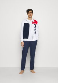 Fila - BRUSHED FEECE PYJAMAS WITH FULL ZIP - Pyjamas - white - 1