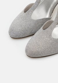Tamaris - Klassiske pumps - silver glam - 5