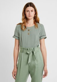 Vero Moda Tall - VMARIEL - Bluser - hedge green/ariel - 0