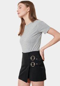 Trendyol - Shorts - black - 3