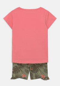 Blue Seven - SMALL GIRLS TIGERJUNGLE SET - T-shirt print - pink - 1