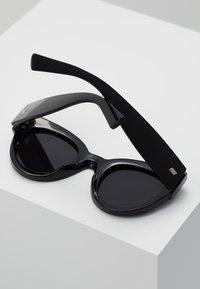Le Specs - MATRIARCH - Sluneční brýle - black - 3