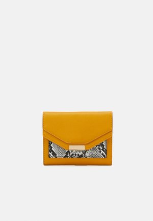 Wallet - mustard yellow