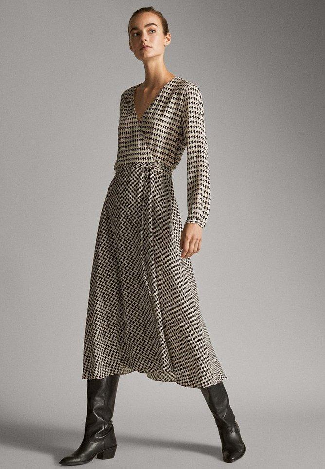 Massimo Dutti - MIT HAHNENTRITTMUSTER  - Day dress - white