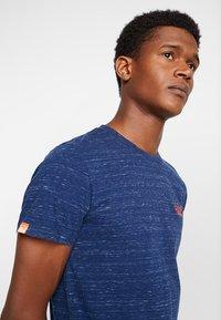 Superdry - ORANGE LABEL VINTAGE EMBROIDERY TEE - Basic T-shirt - faux indigo space dye - 4