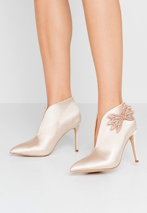 LETICIA - High heeled ankle boots - oyster