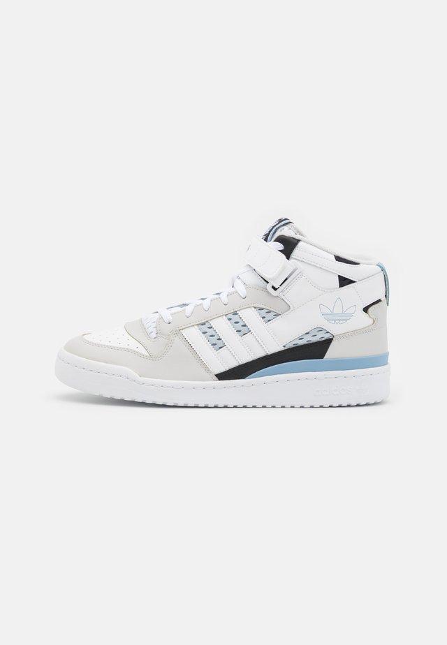 FORUM MID UNISEX - Sneakers hoog - footwear white/ambient sky/core black