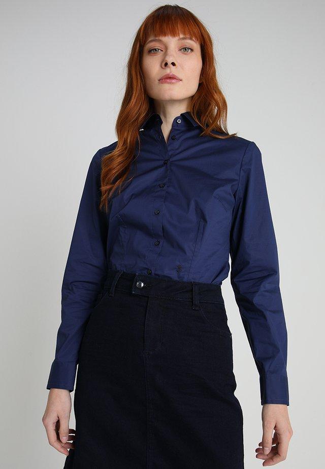 LANGARM - Camisa - dunkelblau