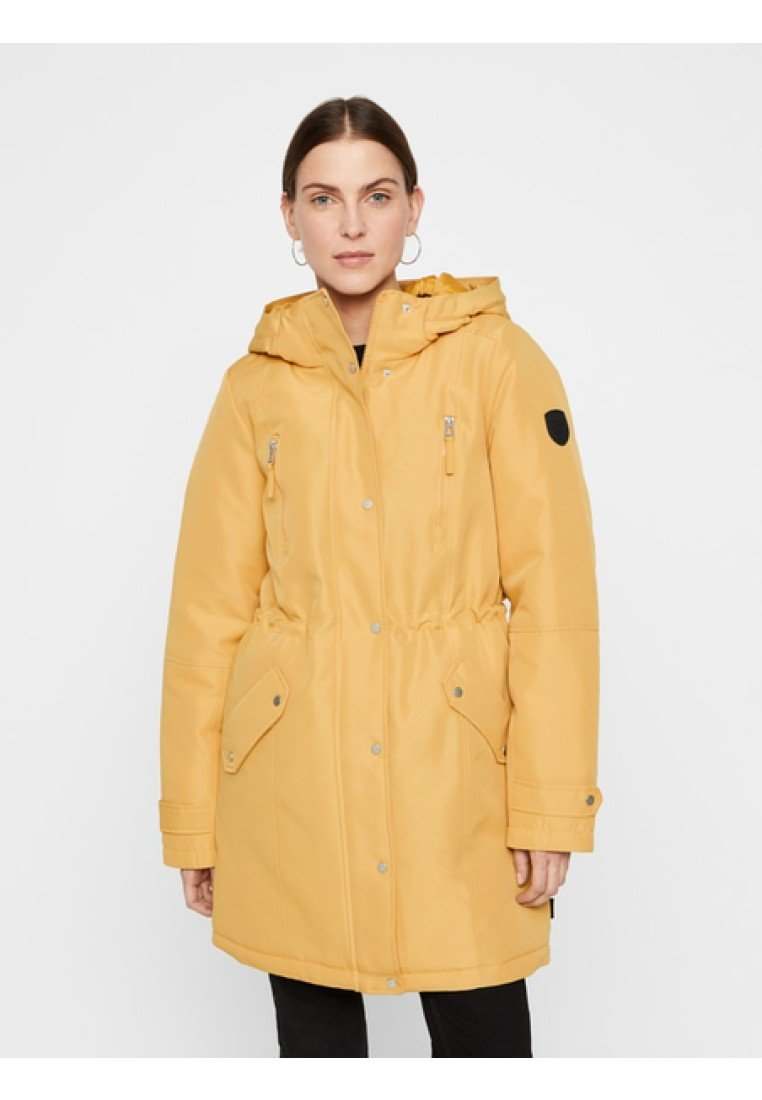Vero Moda - VMTRACK EXPEDITION - Winter coat - gold