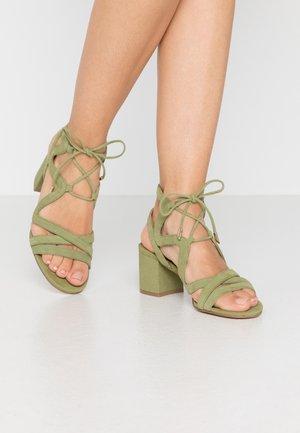 Sandalias - verde
