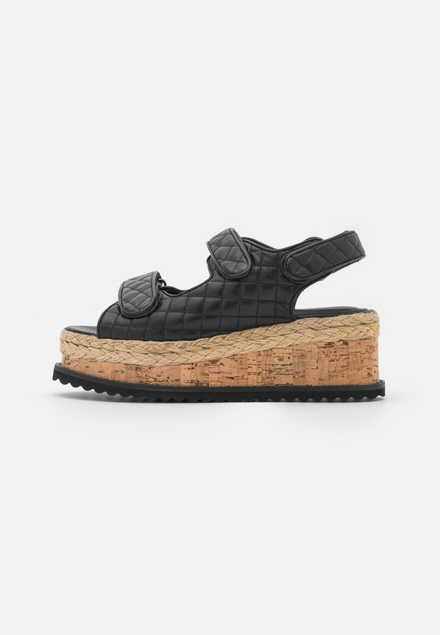 MAGIC - Sandály na platformě - black