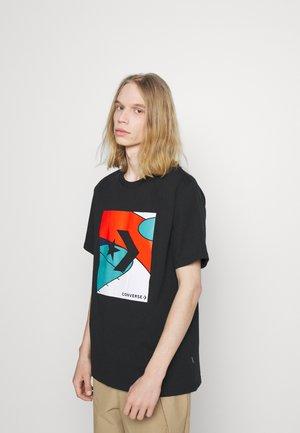 COLORBLOCKED COURT SHORT SLEEVE TEE - Print T-shirt - black