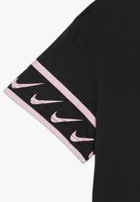 Nike Performance - TEE STUDIO - Print T-shirt - black/pink tint - 2