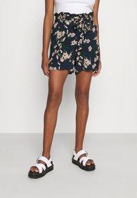 Vero Moda - Shorts - navy blazer - 0