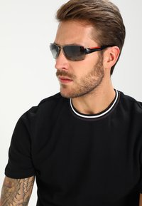 Prada Linea Rossa - Sluneční brýle - gunmetal - 1
