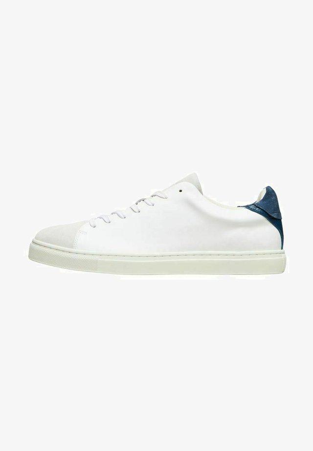 SLHDAVID NEW CONTRAST TRAINER - Sneakers laag - blue indigo
