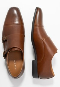 Pier One - Smart slip-ons - cognac - 1