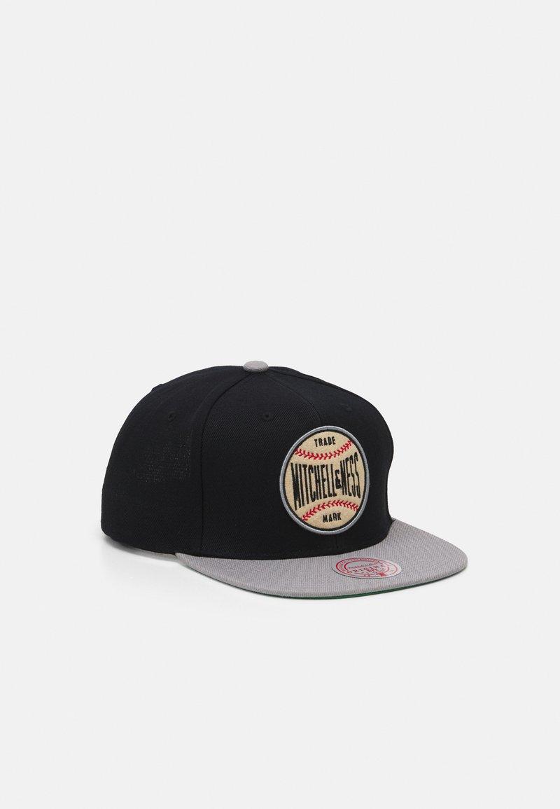 Mitchell & Ness - BRANDED BASEBALL PATCH SNAPBACK - Cap - black/grey