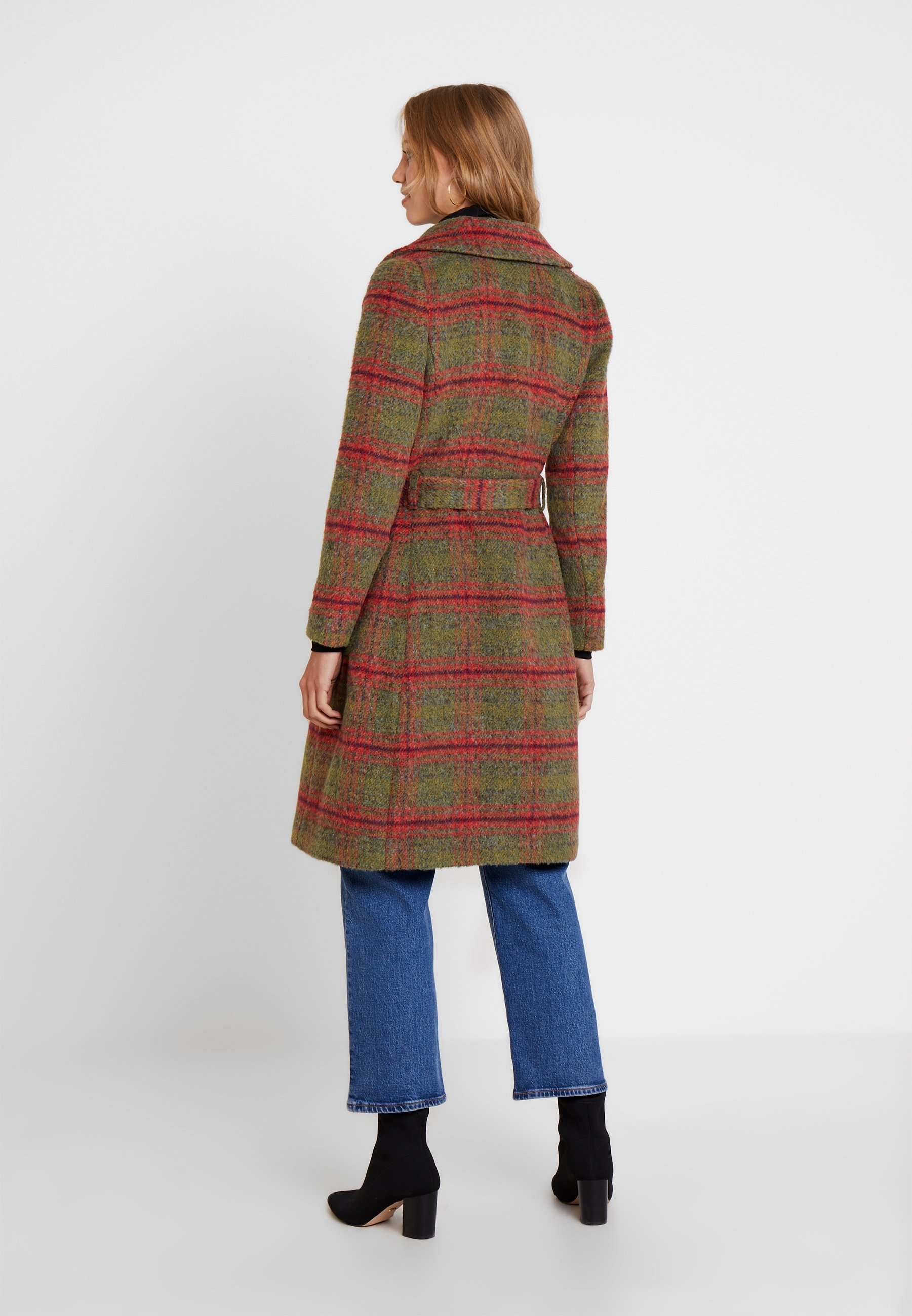 Barclay coat mississippi