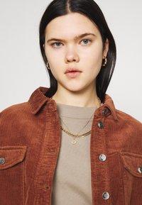 ONLY - ONLMARINA BITTEN LIFE - Summer jacket - rustic brown - 3