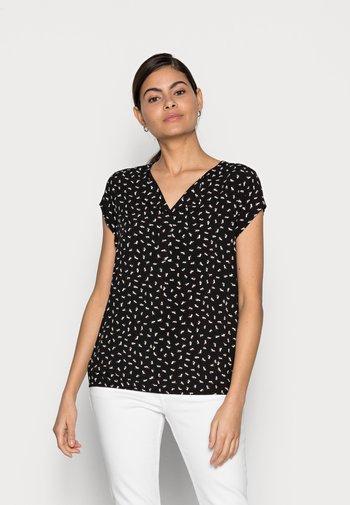 WITH FEMININE NECKLINE - Pusero - black geometrical design