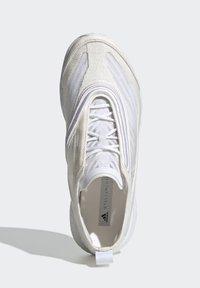 adidas by Stella McCartney - Neutrální běžecké boty - white - 2