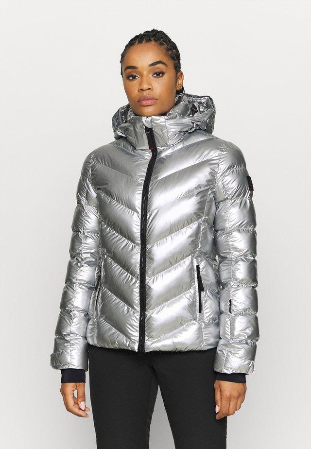 SASSY - Lyžařská bunda - silver