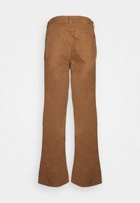 Nudie Jeans - LAZY LEO - Tygbyxor - cinnamon - 1