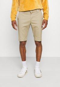 Dickies - Shorts - khaki - 0