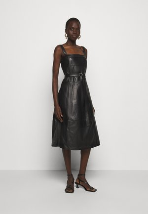 LIGHTWEIGHT BELTED DRESS - Sukienka letnia - black