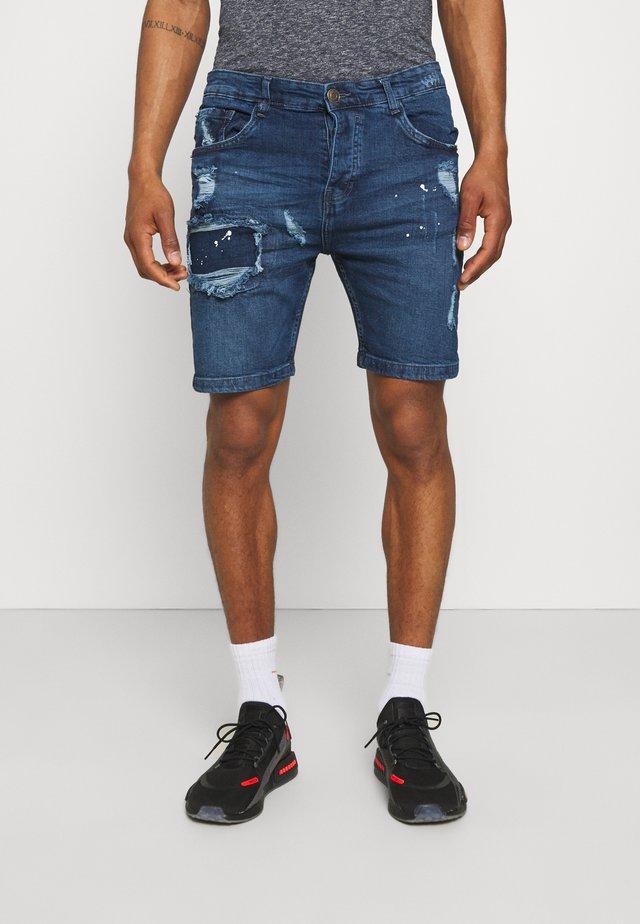 MUNICH - Shorts di jeans - dark blue wash