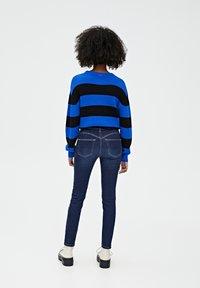PULL&BEAR - PUSH UP - Jeans Skinny Fit - mottled dark blue - 2